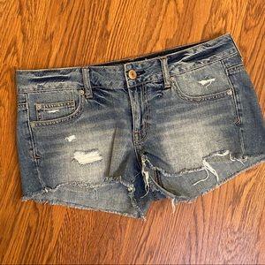 American Eagle Light Wash Distressed Shorts Sz 10